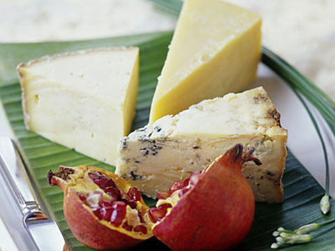 Slice soft cheese without the mess