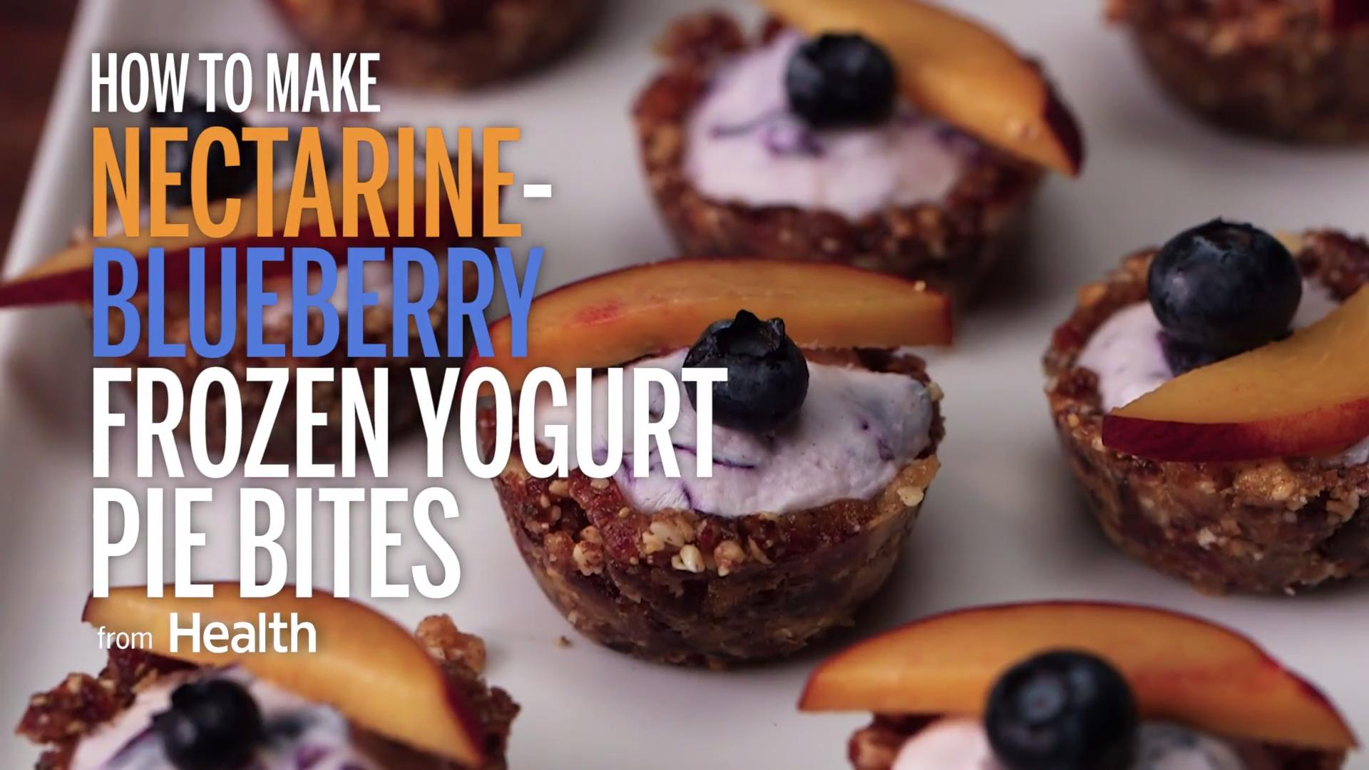 Mini-Blueberry Pies Filled With Frozen Yogurt