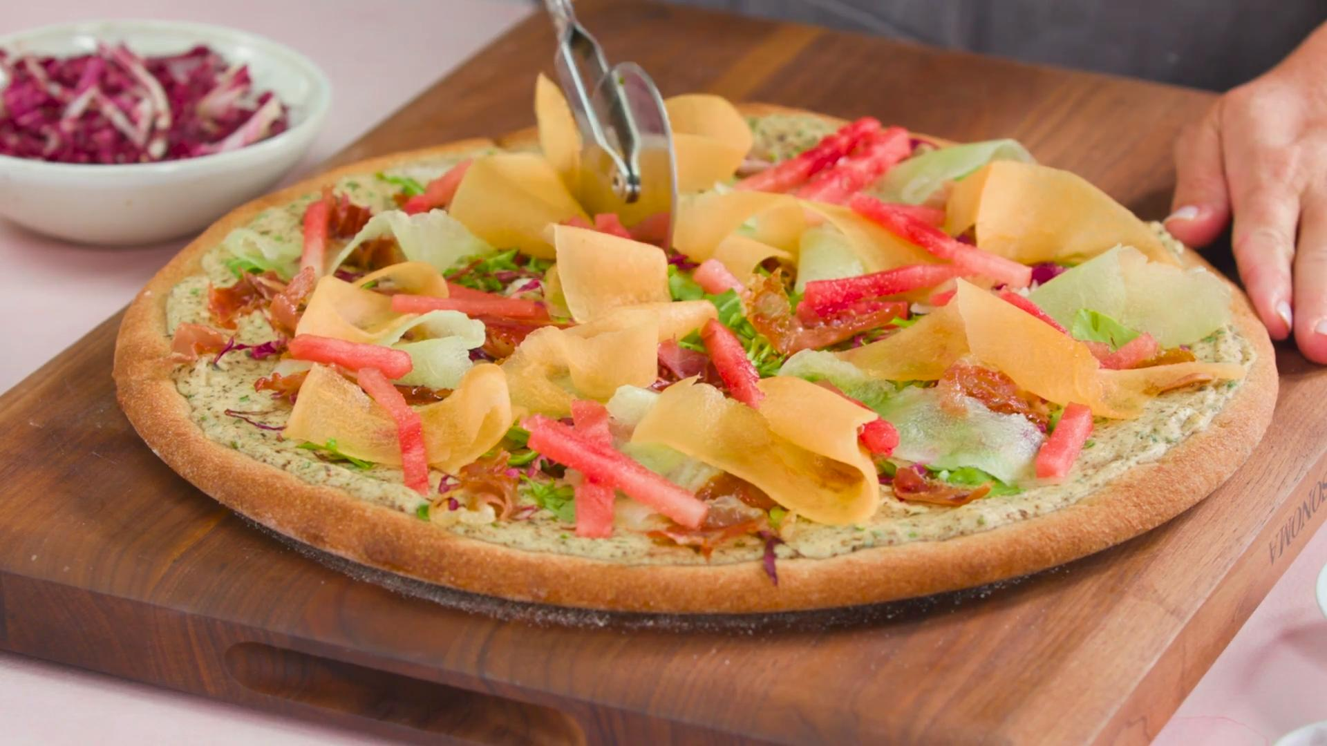 How to Make White Pizza With Melon and Prosciutto