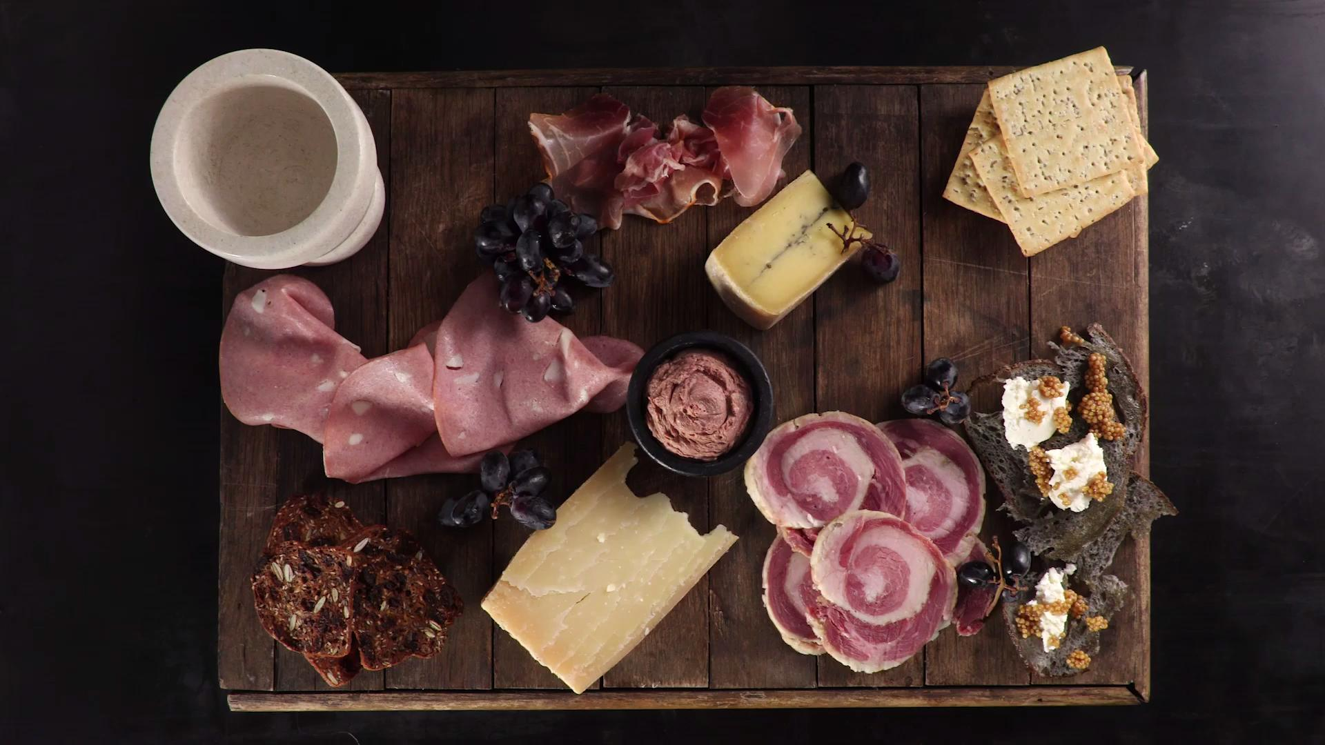 How to Assemble a Charcuterie Board