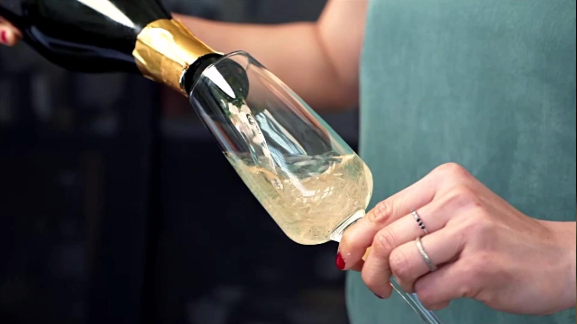 5 biggest mistakes people make when drinking Champagne.