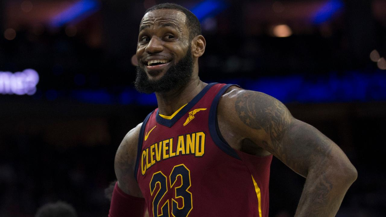 size 40 bae8c 8a747 LeBron James Signs With Lakers, Leaves Cleveland a Second Time