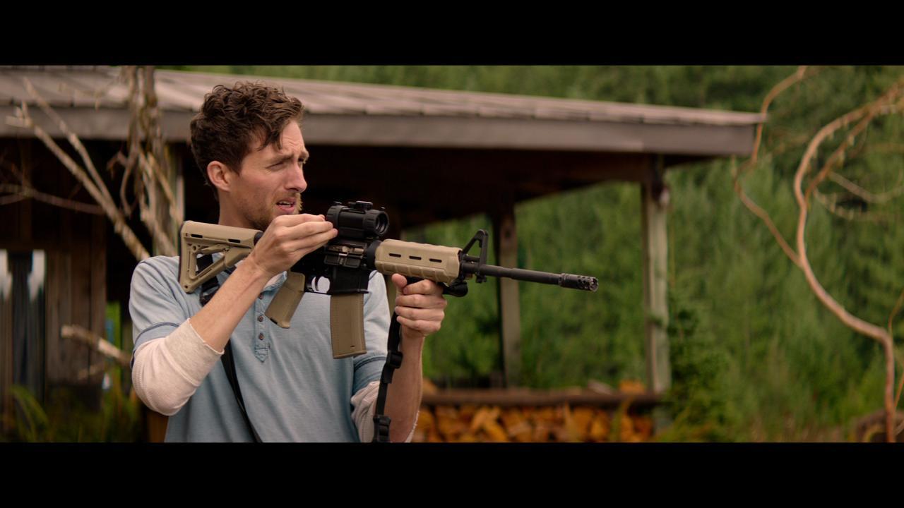 cabin fever remake director promises gore aplenty