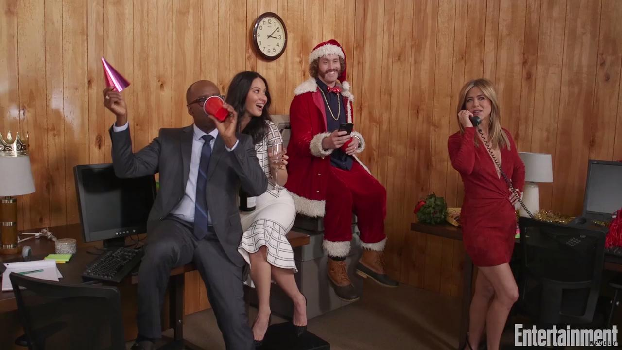 Office Christmas Party cast on film\'s merry mayhem | EW.com