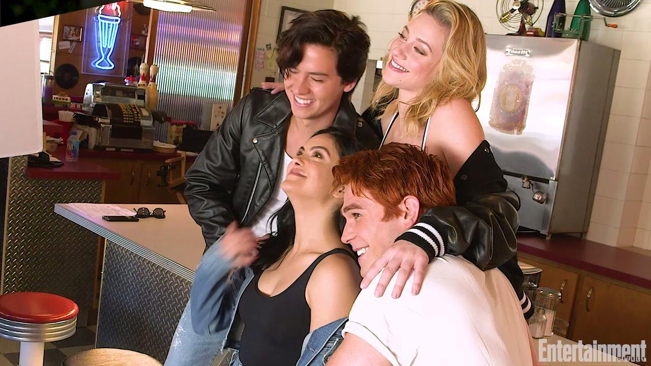 Riverdale mark consuelos as hiram lodge first photo ew m4hsunfo