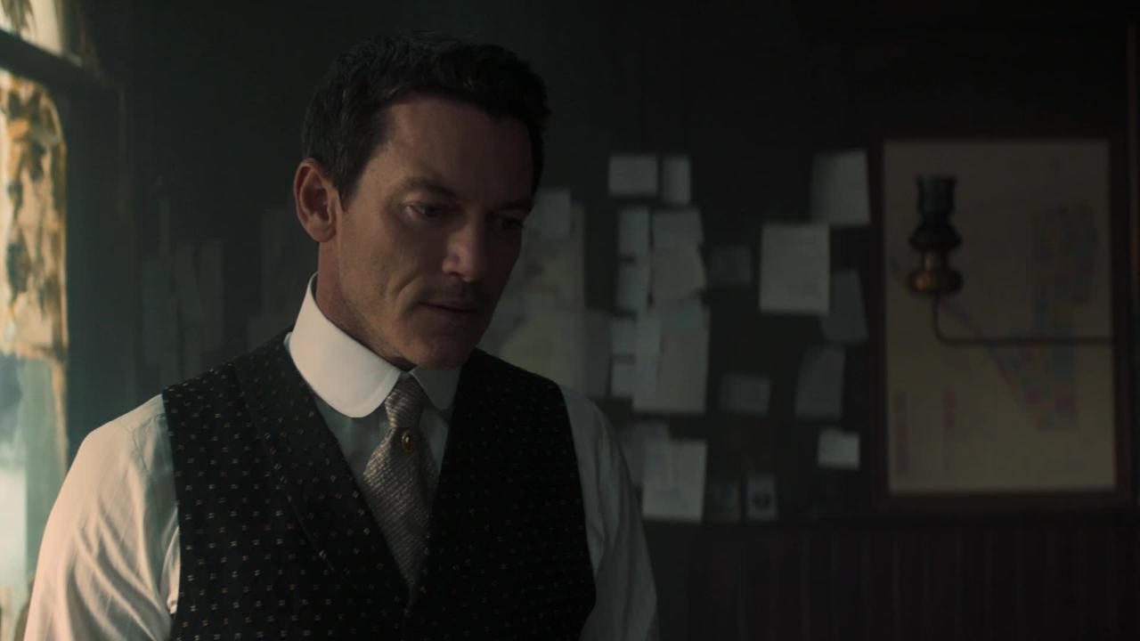 The Alienist finale: John confesses his love for Sara in exclusive clip