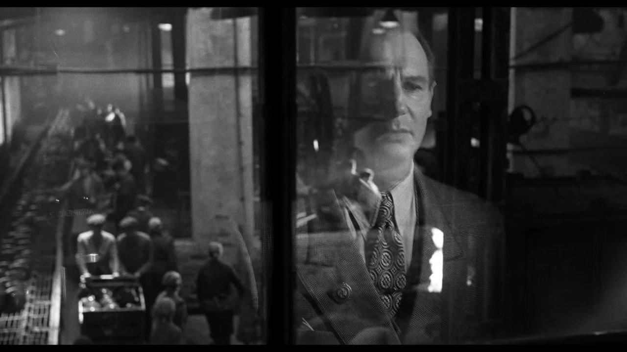 Watch the trailer for the 25th anniversary re-release of 'Schindlers List'