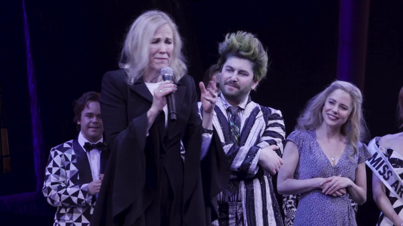 Watch Catherine O'Hara visit the cast of Broadway's