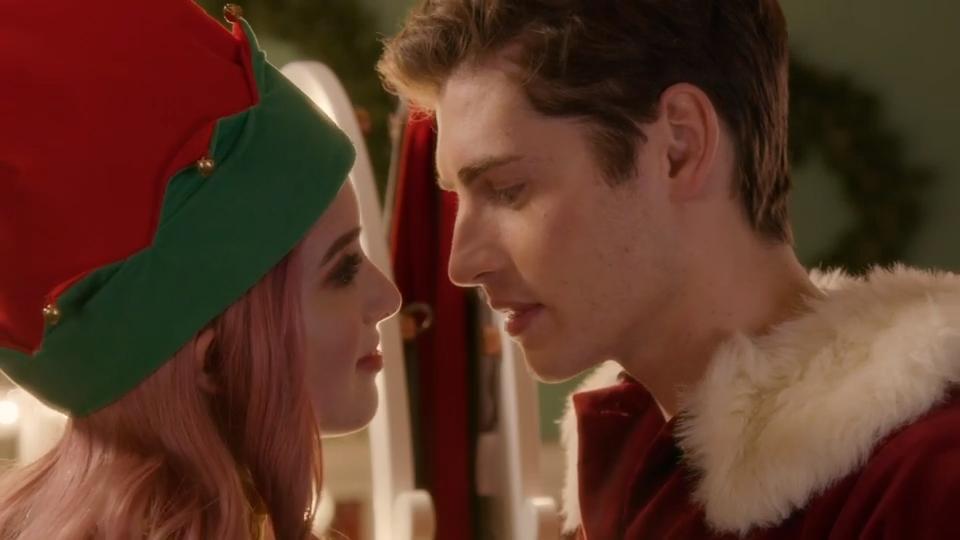 A Cinderella Christmas Cast.A Cinderella Story Christmas Wish Trailer Watch Gregg