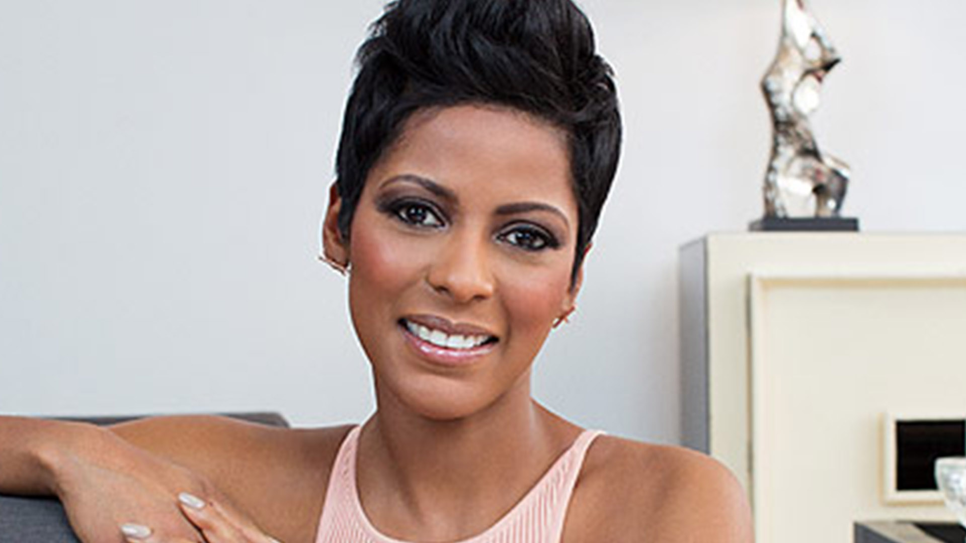 The Story Behind the Story: Tamron Hall Opens Up About Her Sister's  Unsolved Murder