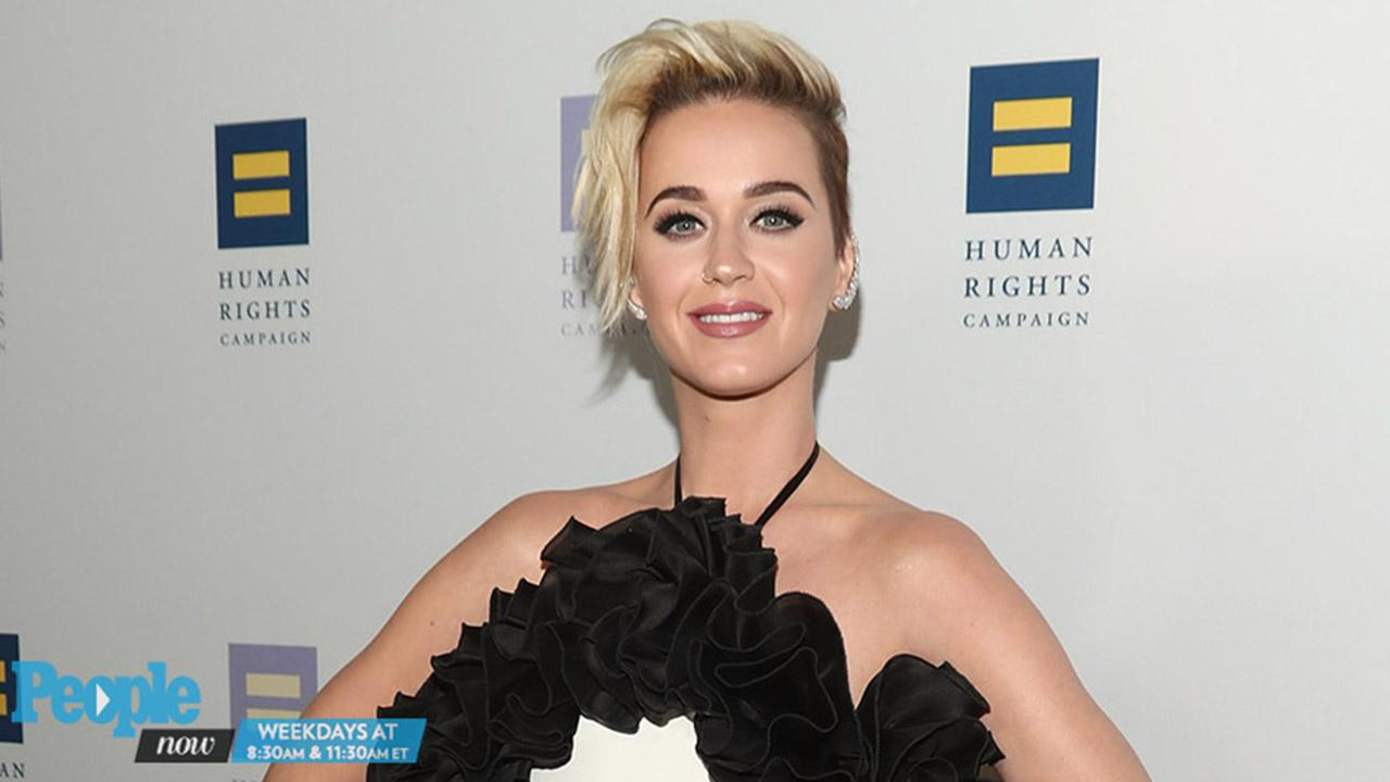 Katy Perry Flaunts Toned Bod Beachside in Pink Suit | PEOPLE.com