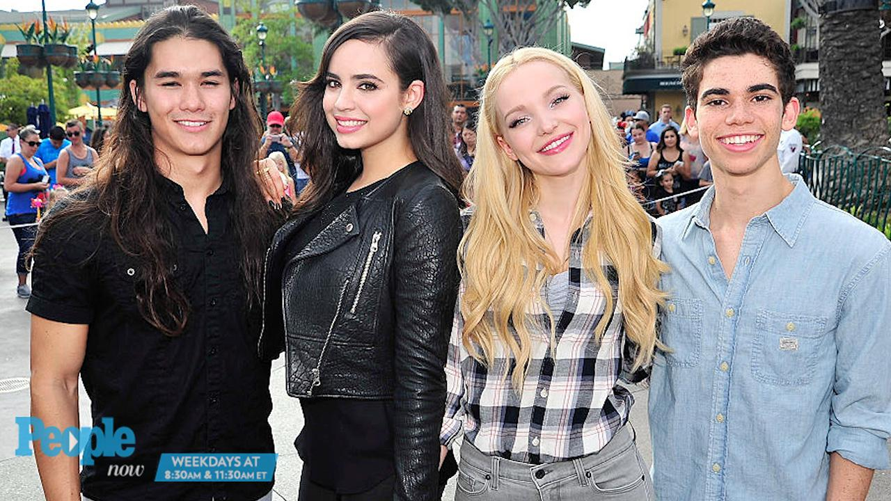Sofia Carson On Dove Cameron Dating Thomas Doherty From The Very Beginning There Was Definitely Chemistry