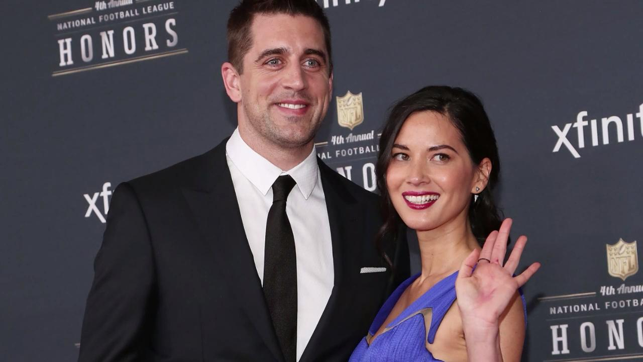 """Olivia Munn Got Candid About Getting Out of a Relationship That Made Her Feel """"Worthless"""""""