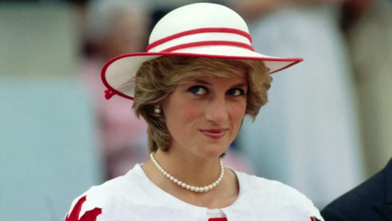 Princess Diana\'s Wedding Dress Designer Is Launching a New Label ...