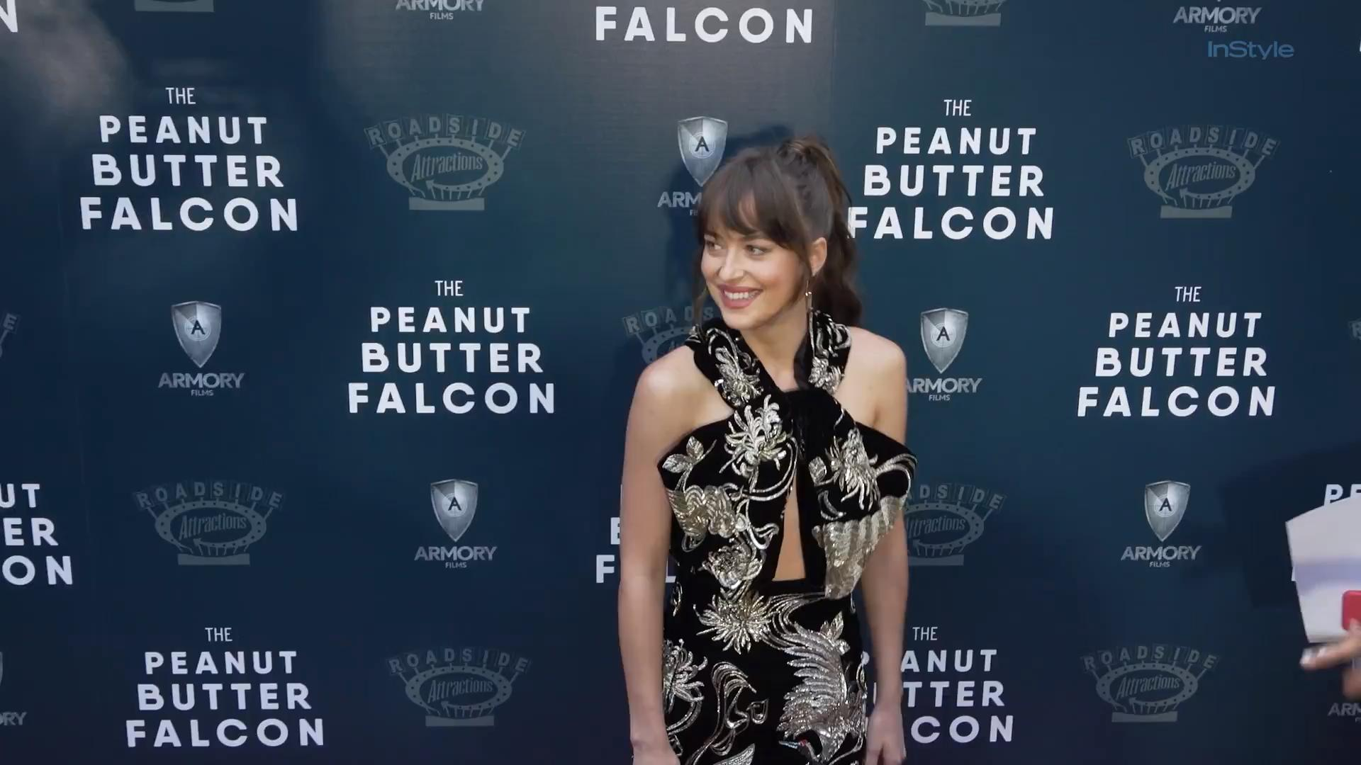 Dakota Johnson's Red Carpet Minidress Has It All — Including Pockets