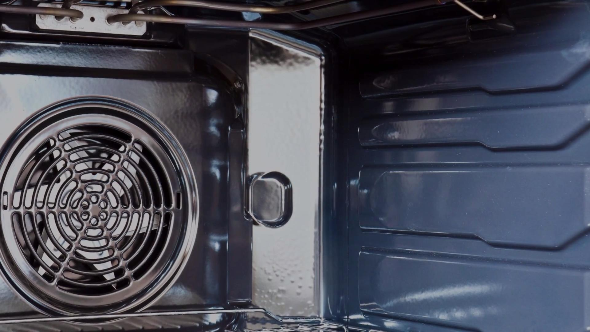 What Is a Convection Oven—and What Should You Cook In It?
