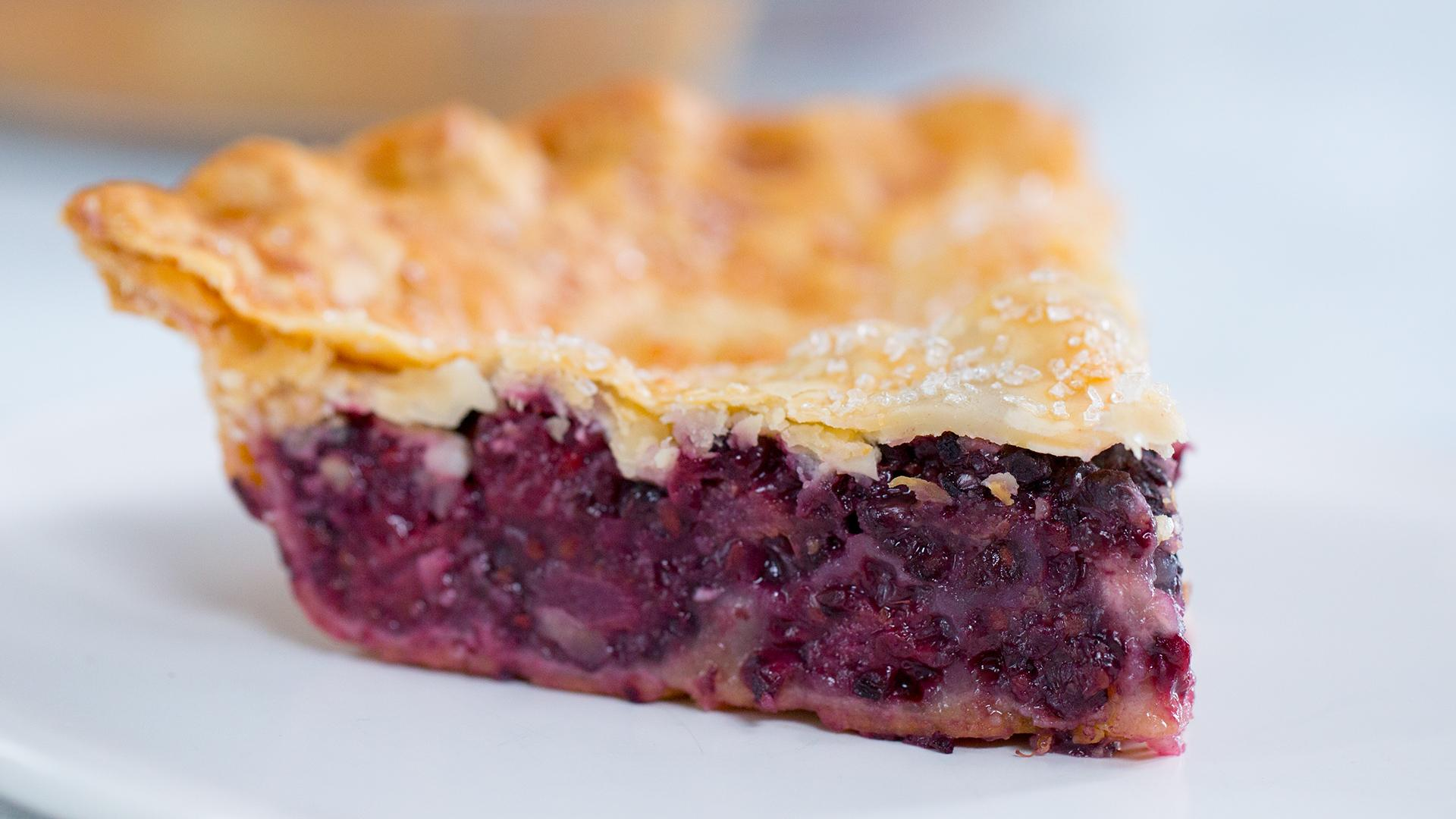 Perfectly Easy Blackberry Pie