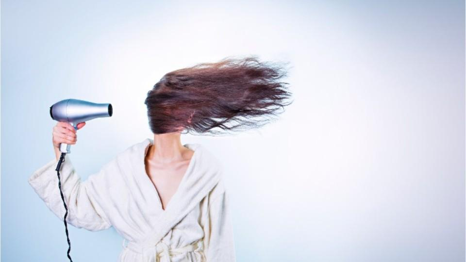 If you wash your hair at night, we have some scary news for