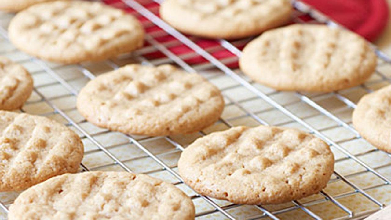 Easiest Peanut Butter Cookies Recipe