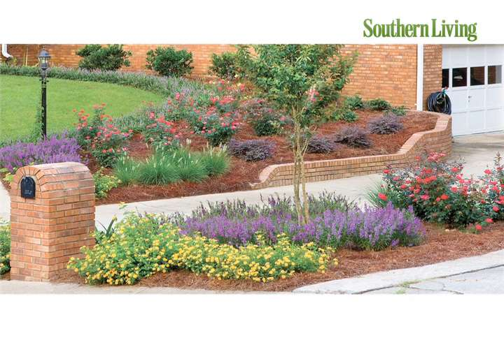 Awesome Southern Living Style Guide How To Choose Between Annuals And Perennials   Southern  Living