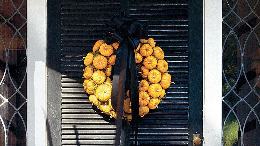 How To Make A Wreath Of Pumpkins