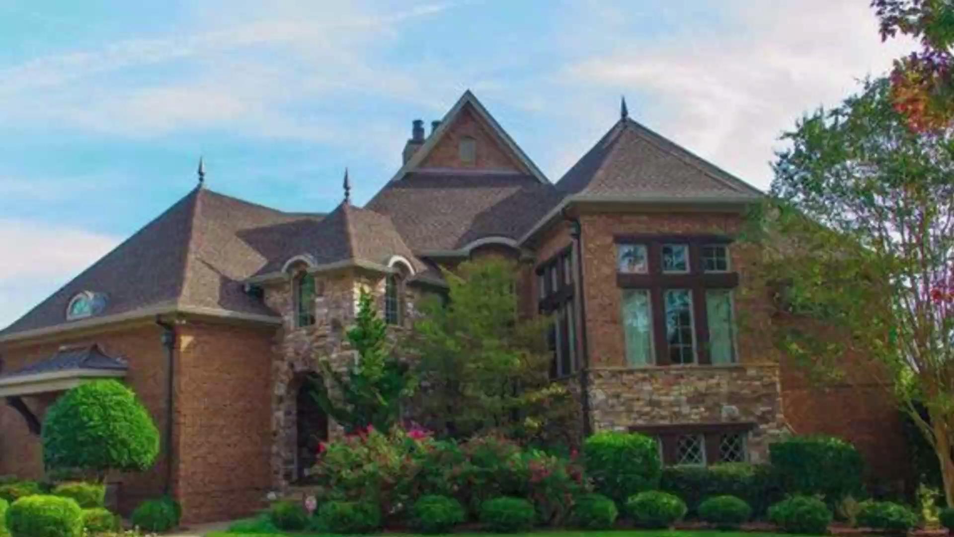 This home has championship-level charm!