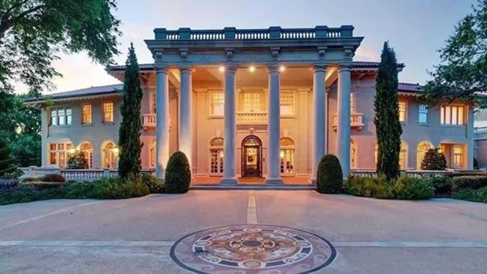 Peek Inside This Opulent Mansion
