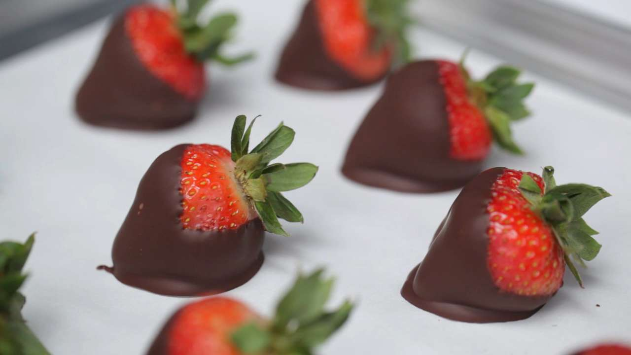 Perfect Chocolate-Covered Strawberries