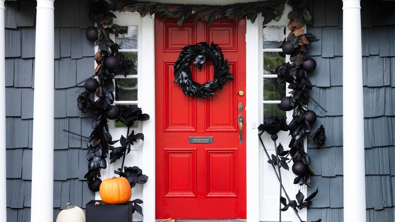 4 Spellbinding Halloween Decorating Ideas for Your Front Door